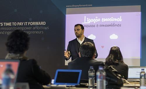 frederico carvalho a dar aulas - curso marketing digital